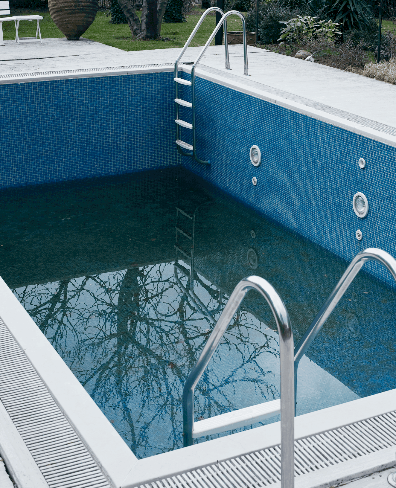 Pool leak detection Seaholme